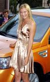 Maria Sharapova - Page 2 Th_00585_Maria_Sharapova_Land_Rover_Event_062206_1