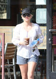 Anna Faris @ The Coffee Bean in West Hollywood | September 10 | 14 pics