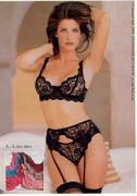 th_88140_1995_06_vsc_summersale_32_3b_stephanieseymour_bb2_sh_afx2_122_411lo.jpg