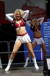 [Image: th_019550065_tduid2978_Cheerleaders_442_122_46lo.jpg]
