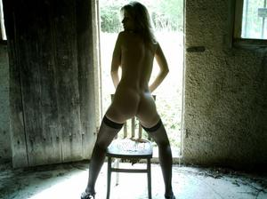 http://img142.imagevenue.com/loc482/th_107457718_Sensual_saggy_Nina_gets_horny_when_flashing_in_nature_48_123_482lo.jpeg