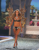 th_07221_fashiongallery_VSShow08_Show-135_122_51lo.jpg